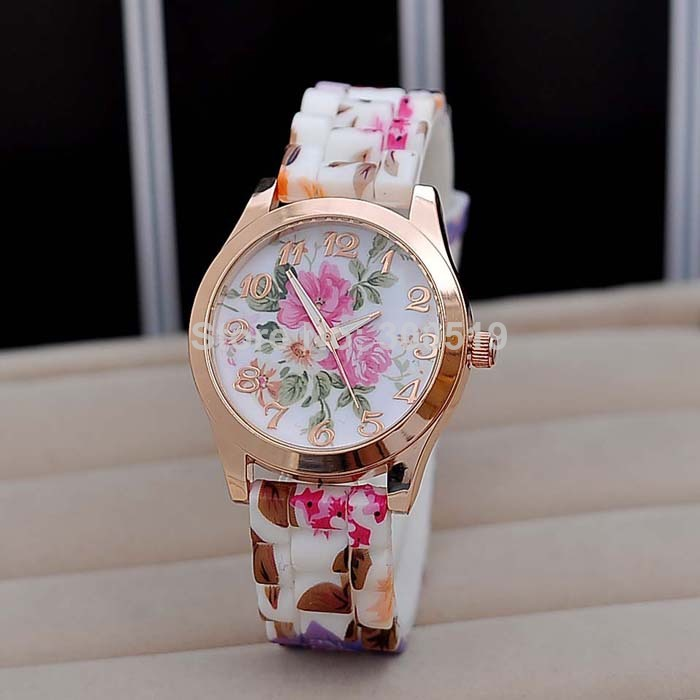 JW419 Retro Funky Chic Flower Printing Daisies Watch Floral Silicone Women Watch Ladies Girls Quartz Clock Dress Watches-in Wristwatches from Watches on Aliexpress.com