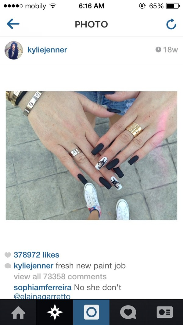 nail polish black and white versace kylie jenner jewels