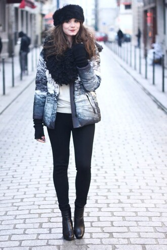 mahayanna blogger winter outfits fur hat black boots shoes black fur hat black hat hat jacket printed jacket leggings black leggings top white top scarf winter look winter scarf boots