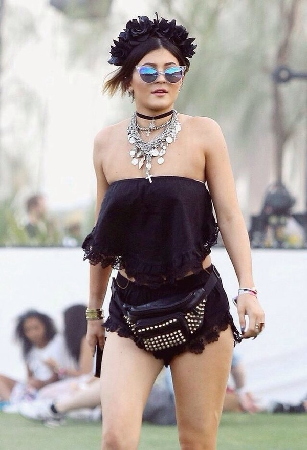 kylie jenner coachella choker necklace black choker kylie jenner jewelry layered keeping up with the kardashians statement necklace silver necklace coin necklace belt bag studded bag flower crown shorts festival look festival milk the goat milkmaid gypsy hippie black free people free spirited blouse shirt where do i get it from pants jewels necklace choker necklace bag coin purse top festival coachella boho boho chic gypsy traveler