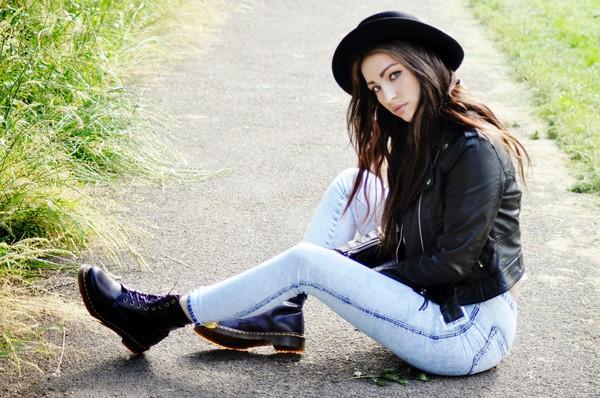 moon magik t-shirt jeans jacket jeggings boots leather jacket hat