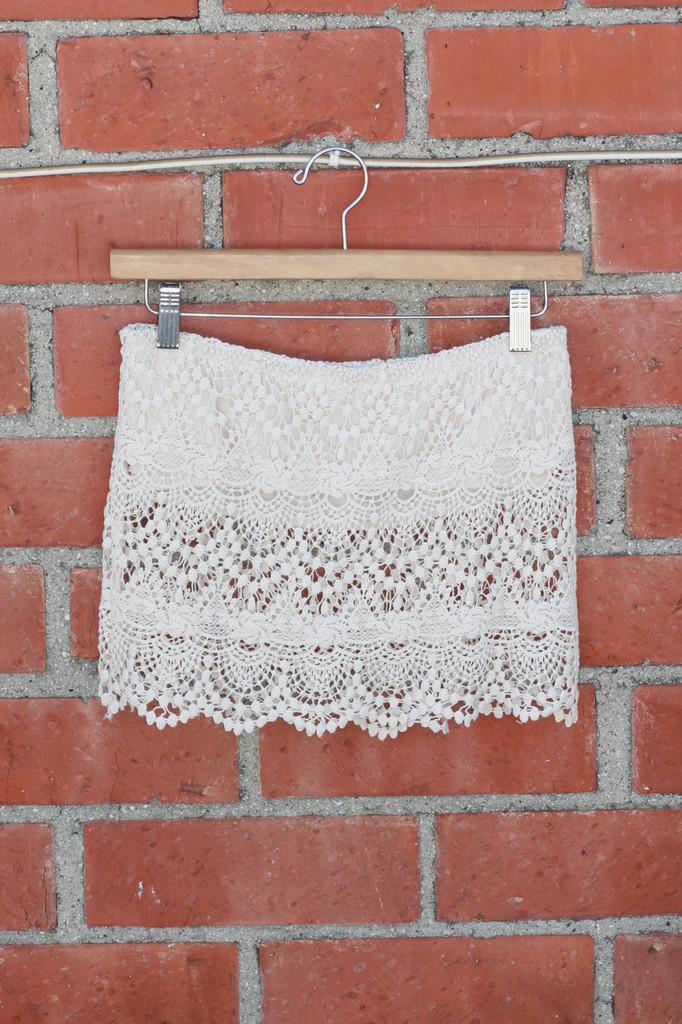 Coachella Crochet Lace Crop Top - Cream | Obsezz