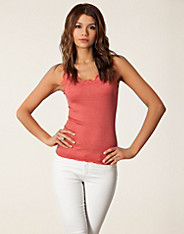 Felicia Top - Rosemunde - Red - Tops - Clothing - Women - Nelly.com
