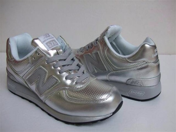 shoes colorful style silvernewbalanceshoes silver new balance silver shoes