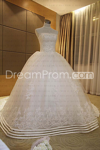 US $235.39 Gorgeous Ball Gown Strapless Chapel Bowknot Tulle Wedding Dresses