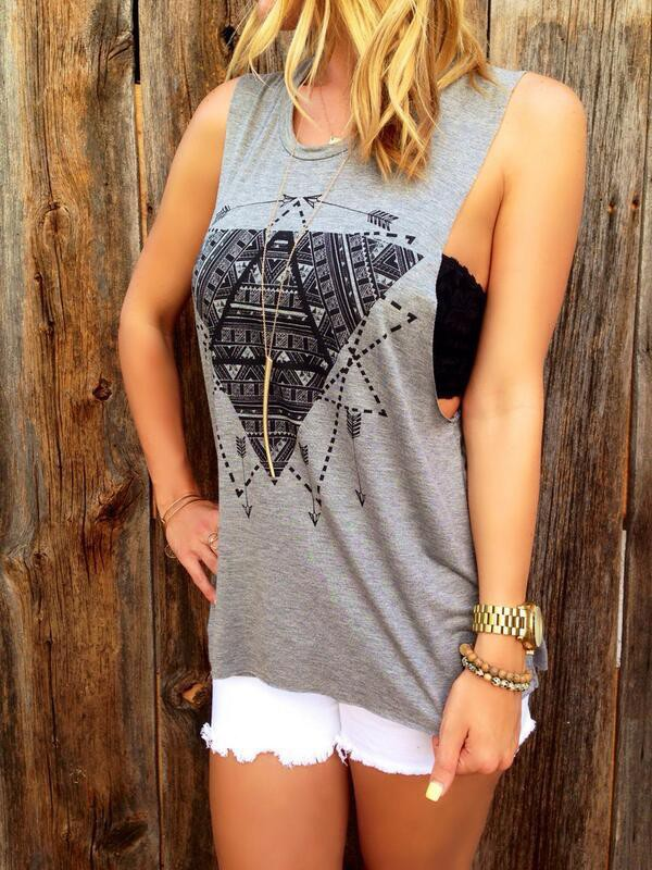 t-shirt tribal pattern grey girl black top top white shorts outfit tumblr outfit style