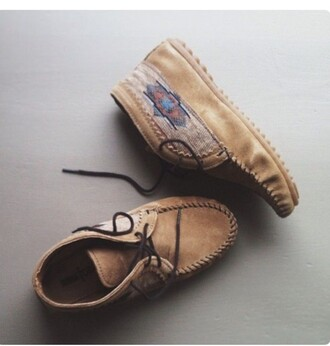 shoes tribal pattern moccasins fall boots boots fall colors native american hipster suede shoes