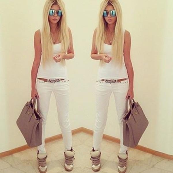 pants jeans white top white skinny jeans shoes bag belt ннн tank top