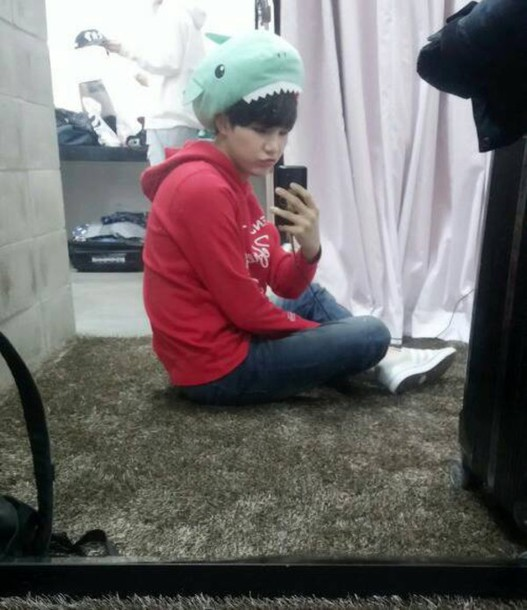 hat shark grunge