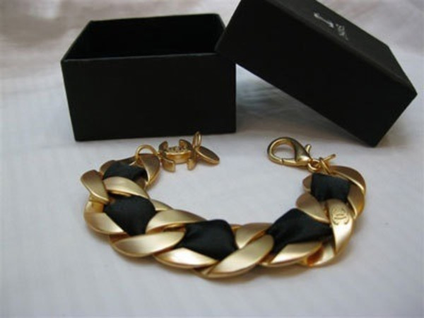 jewels chanel gold bracelets ribbon