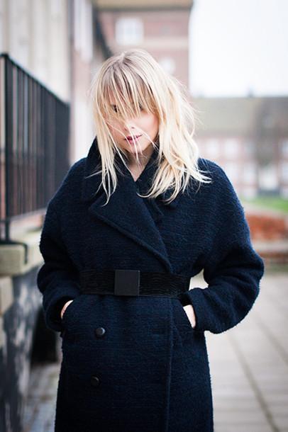 chaloth blogger belt winter coat boyfriend coat navy blonde hair navy coat