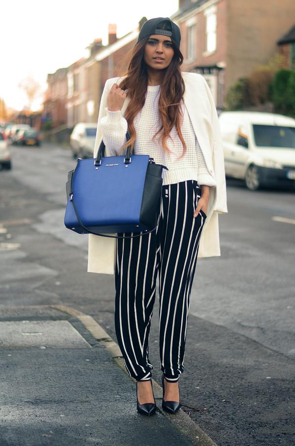 she wears fashion pants shoes jewels bag