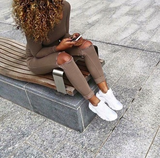 jeans moca pants bike jeans ripped jeans brown cutted jeans nude brown jeans all brown shirt shoes exact taupe colour taupe leggings camel jeans skinny pants leggings tan brown pants brown leggings nude pants jeggings bag swag skinny jeans beige pants