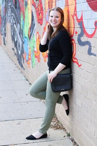 somethinggood blogger sweater jeans bag jewels ballet flats crossbody bag skinny pants