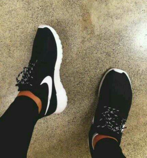 shoes black nike cute trainers sneakers running shoes lace up pretty white