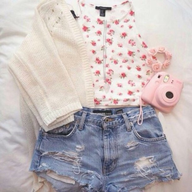 blouse girly flowers blouse top flowers white pattern outfit weheartit tumblr instagram coat shorts
