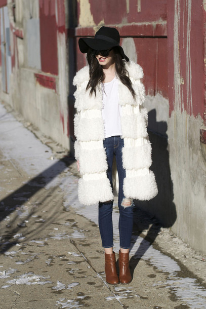 the glam files blogger hat sunglasses coat top jeans shoes make-up