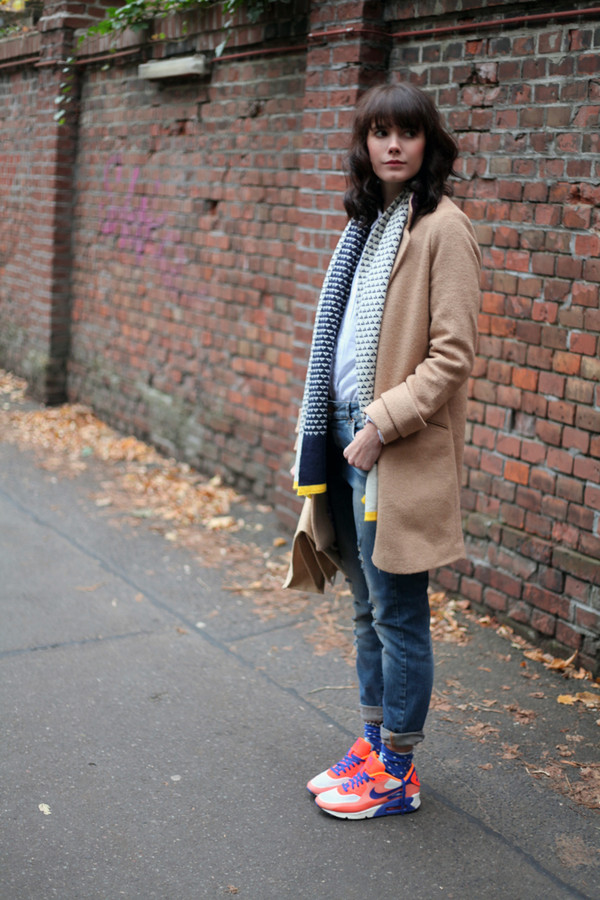 che cosa shoes jeans shirt scarf coat