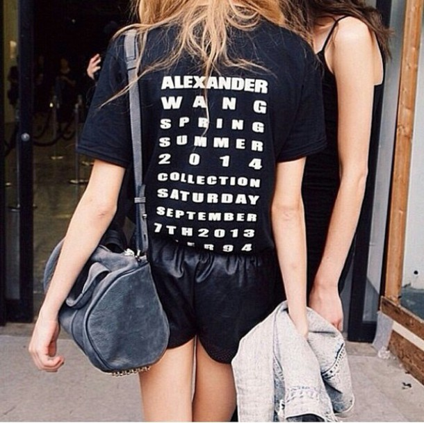 t-shirt shirt top t-shirt stylish style style streetlook street streetwear streetstyle streetstyle streetstyle leather shorts fab on point on point clothing bag trendy trendy trendy blogger