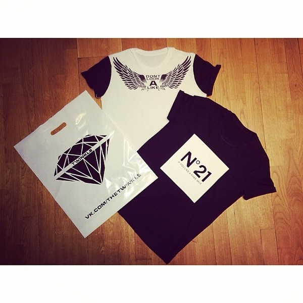 t-shirt wings up lookalike no 21 no21 white black blvck sleeve neck twinkle