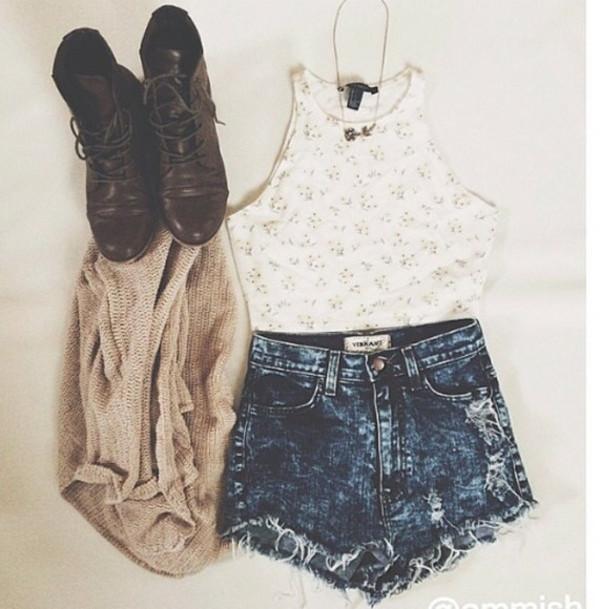 jeans short bleu dechirer sweater shoes tank top shorts