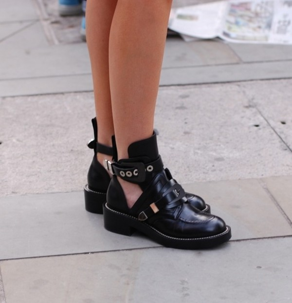shoes tumblr black buckels black shoes black ankle boots black boots with buckles.  and cut out sides with slight heel