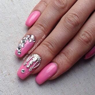 nail accessories crown nail jewel nail charms silver nail charm jewelry pink pink nails nail art diy nail art nail polish nail veils nails nail fashion fashion nails fashion handmade jewelry authentics nail jewels nail bling nail supply nail  crown nail cover nail armour nail color