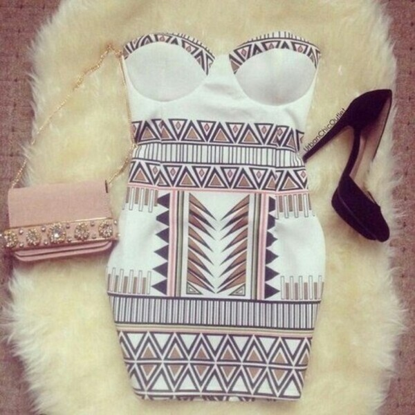 dress cute style fashion shoes pockets purse bag aztec bandeau strapless dress azthèques bodycon pattern zigzag short white dress colorful summer dress elegant dress where did u get that geometric strapless dress mini dress colorful dress colorful sassy outfit black high heels cute dress totem