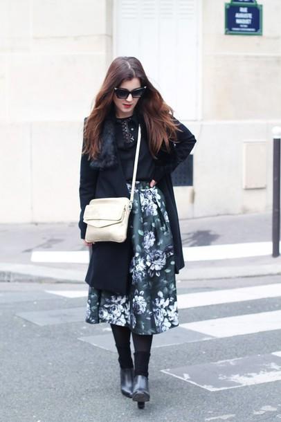 elodie in paris blogger roses midi skirt etam coat skirt bag shoes sunglasses