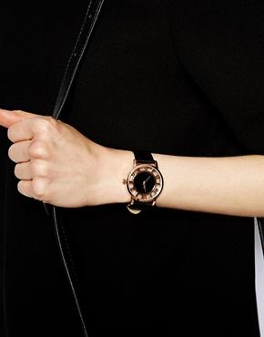ASOS   ASOS – Armbanduhr mit rundem Zifferblatt und Ziffern bei ASOS