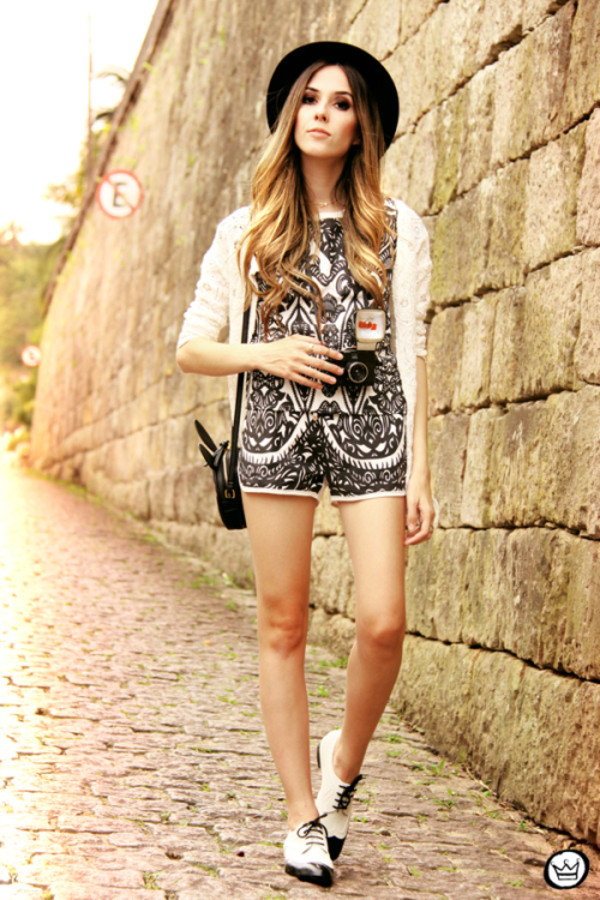 fashion coolture t-shirt shorts bag hat shoes