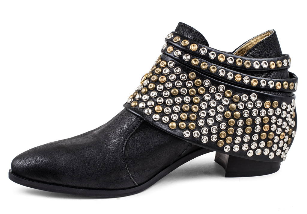 Chloe with Removable Studded Hardware | Modern Vice