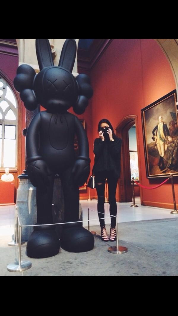 jeans black black rips jeggings black hoodie all black everything all black everything shoes bag sweater jacket