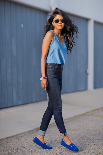 walk in wonderland t-shirt jeans shoes jewels