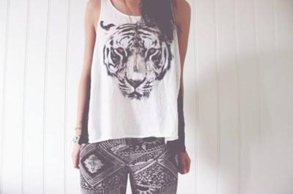 t-shirt shirt t-shirt tiger animal white tank top top jeans shorts tank top tiger tank face black white pants tribal pattern black white aztec print leggings lookbook white tank top cute tiger top