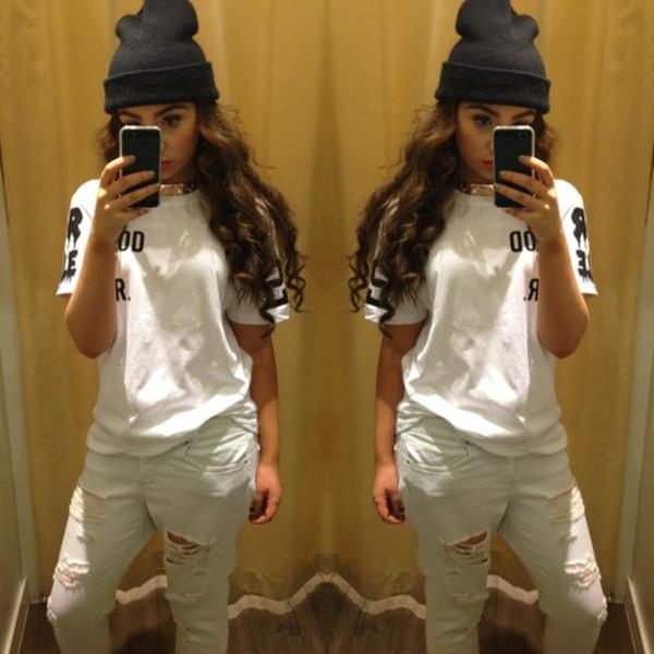 shirt beanie jeans necklace hat