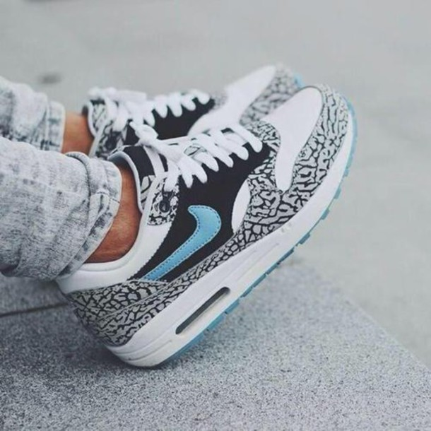 shoes sneakers air max