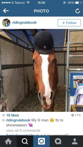 hat horseriding