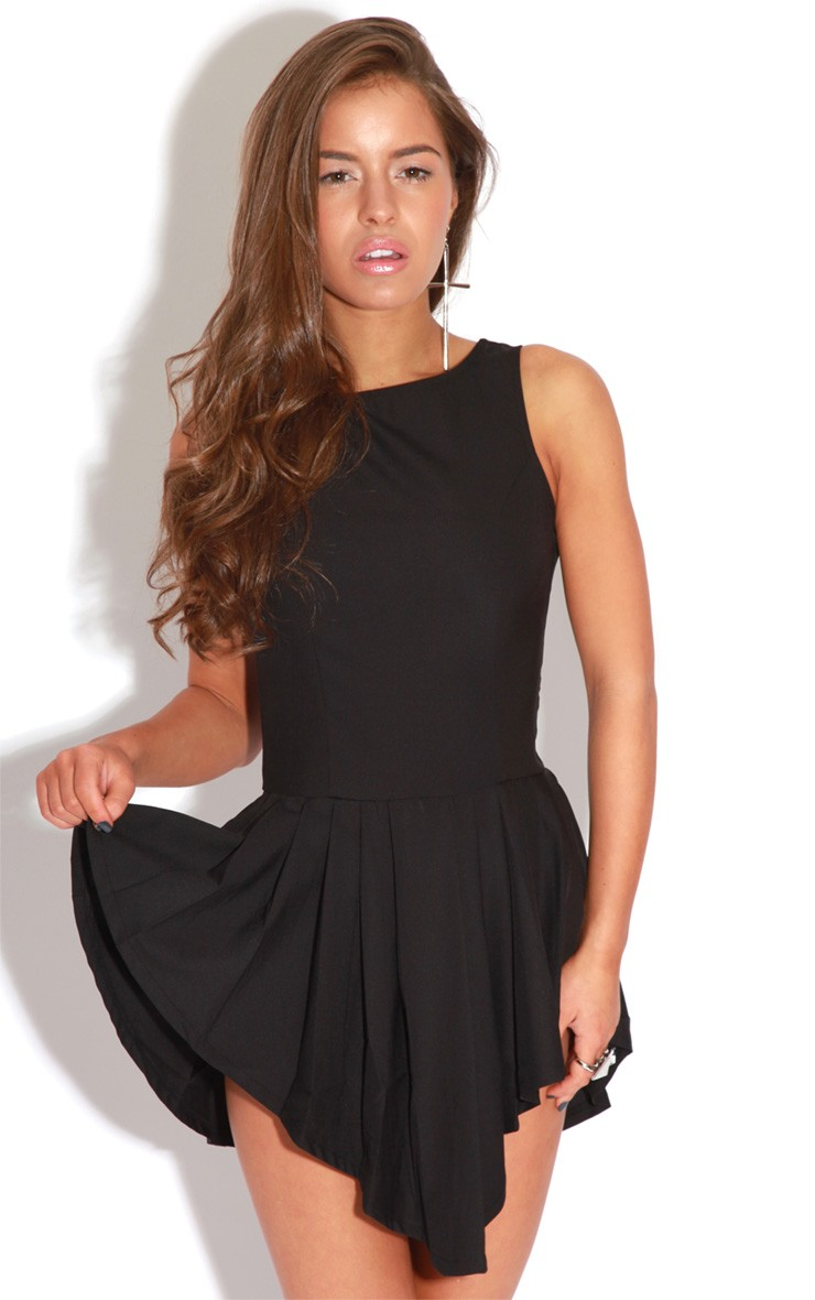Trixie Black Pleated Mini Dress - Dress - PrettyLittleThing.com | PrettyLittleThing.com