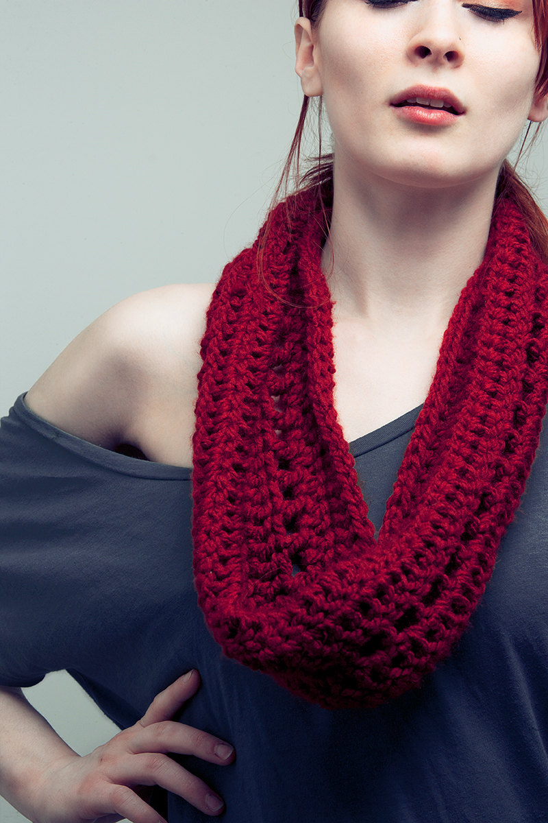 Red Infinity Scarf Infiniti Crochet Cowl Womens Eternity Scarf on Luulla