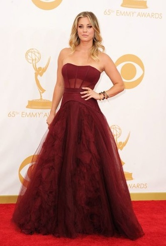 dress prom gala gown girl red dances dance school prom showcase interview show tv actress kaley cuoco big bang theory gorgeous colorful stunning dress