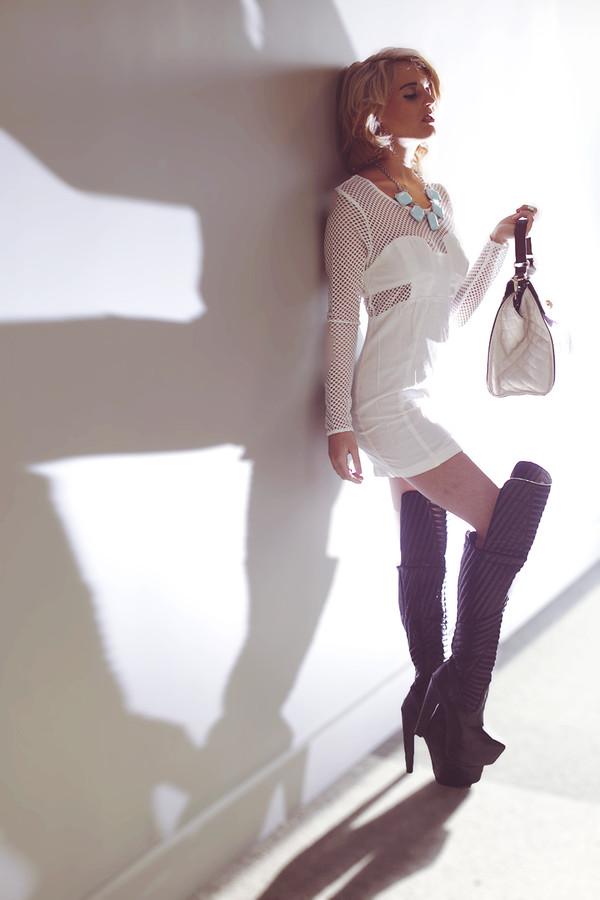 i hate blonde dress jewels bag shoes