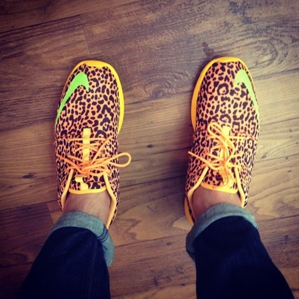 shoes running shoes nikes leopard print spot animal print neon healthy fit cute yaaassss