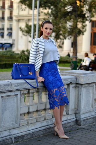 my silk fairytale blogger lace skirt blue skirt royal blue nude high heels grey top striped jacket blue bag