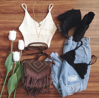 bag on point clothing crossbody bag leather crossbody bag brown leather bag fringes cute bag bralette bralette tops knit bralette top ripped jeans jeans pants boyfriend jeans scalloped edges boots ankle boots gorgeous fashionista necklace jewels jewelry festival hipster style boho cute girly indie summer tumblr tumblr outfit top crop tops girl denim blogger instagram vintage
