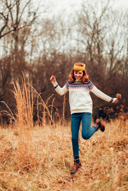 the clothes blogger sweater jeans duck boots red hair boots fur furry boots