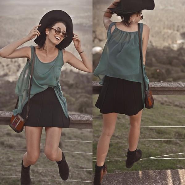 shirt http://bellevior.com/shop/item.php?it_id=1385443763 chic scuba skirt