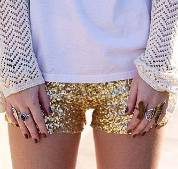 shorts clothes top t-shirt white gold gold sequins sequins paillettes paillette cute jewels ring sweater