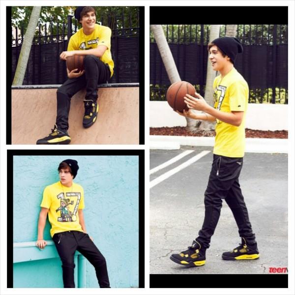 t-shirt shoes jeans