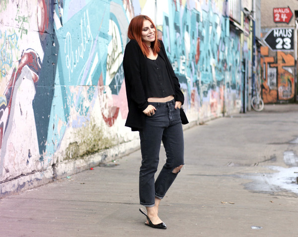 masha sedgwick jeans shirt shoes jacket